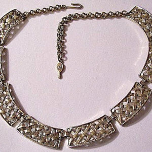 """Basketweave 17"""" Necklace Gold Tone Square Links"""